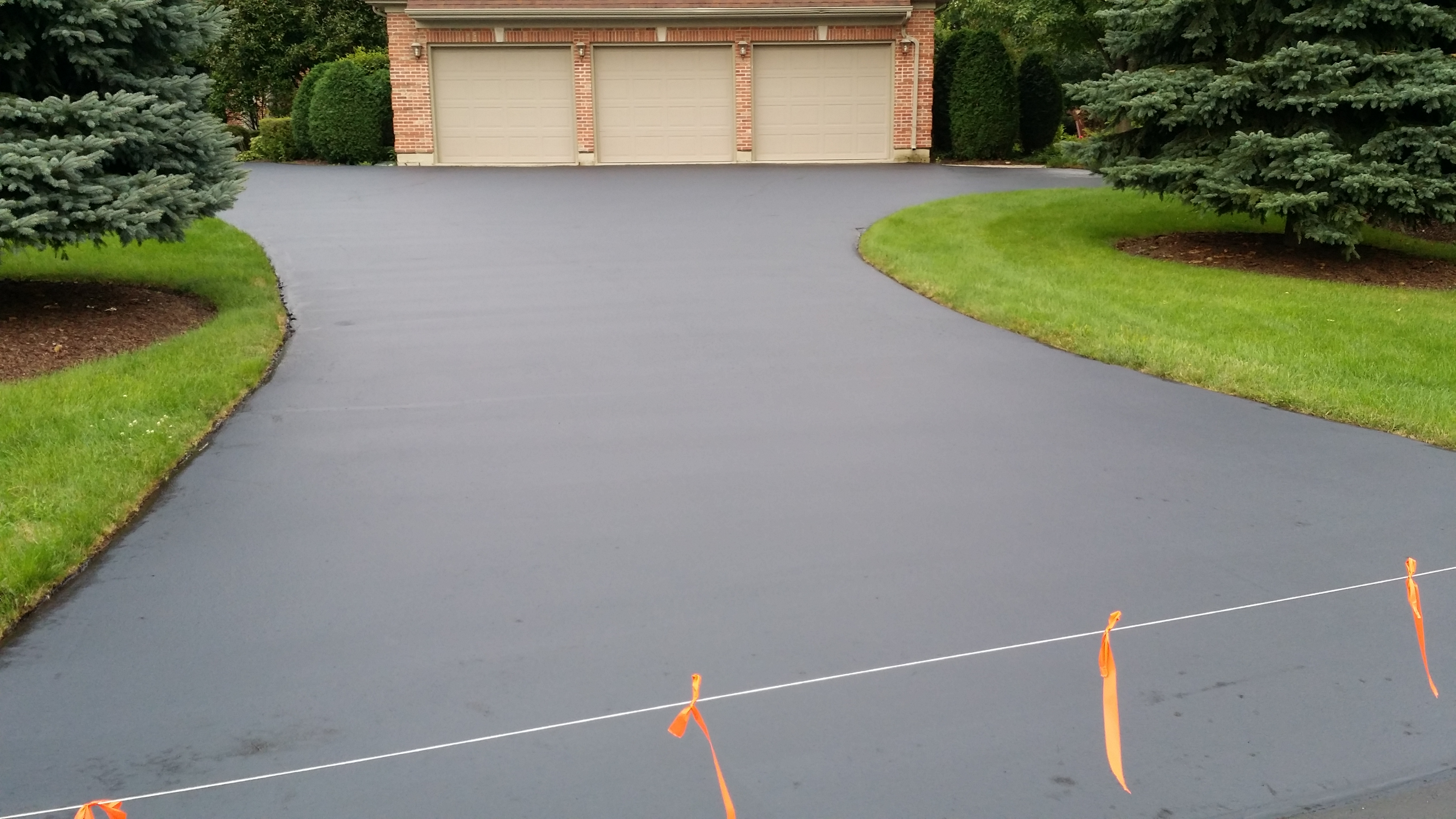 Driveway Before And After Sealcoating Silva Brothers